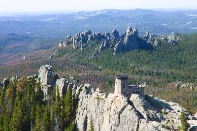 A big mountain pine beetle outbreak occurred south of the Harney Peak lookout tower, toward Cathedral Spires. (Photo courtesy Frank Carroll, Black Hills National Forest)